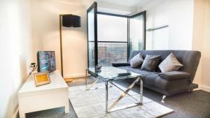 Modern 2Bed apartment - Very Central!