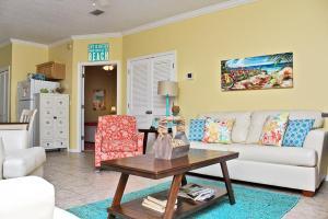 Orange Beach Villas - Beach Retreat Home, Dovolenkové domy  Orange Beach - big - 1