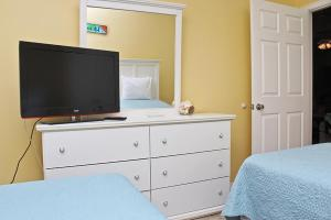 Orange Beach Villas - Beach Retreat Home, Dovolenkové domy  Orange Beach - big - 18