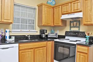 Orange Beach Villas - Beach Retreat Home, Dovolenkové domy  Orange Beach - big - 19