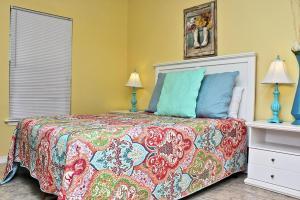 Orange Beach Villas - Beach Retreat Home, Dovolenkové domy  Orange Beach - big - 31