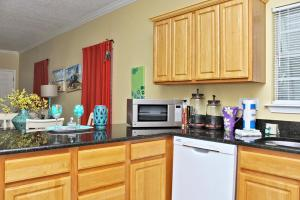 Orange Beach Villas - Beach Retreat Home, Dovolenkové domy  Orange Beach - big - 33