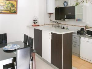 Two-Bedroom Apartment in Gualchos, Апартаменты  Gualchos - big - 12