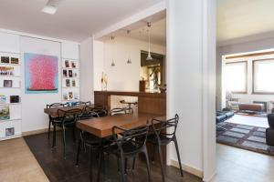 Superior Six-Bedroom Apartment
