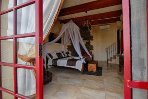 Ta Tumasa Farmhouse, Отели типа «постель и завтрак»  Nadur - big - 46