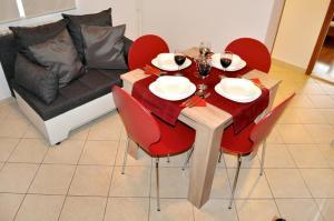Apartment Okrug Gornji 6067a, Apartmány  Trogir - big - 4