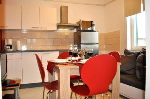 Apartment Okrug Gornji 6067a, Apartmány  Trogir - big - 11