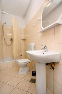 Apartment Okrug Gornji 6067a, Apartmány  Trogir - big - 12