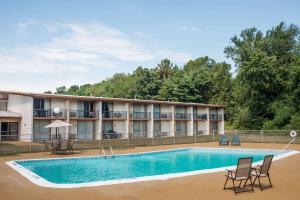 Days Inn by Wyndham Vernon, Hotels  Vernon - big - 5