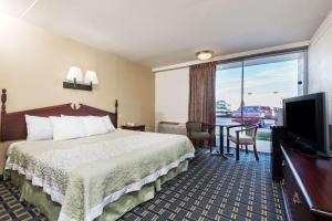 Days Inn by Wyndham Vernon, Hotels  Vernon - big - 12