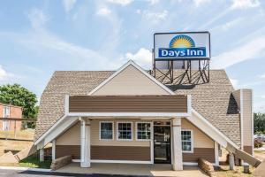 Days Inn by Wyndham Vernon, Hotels  Vernon - big - 1