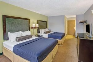 Days Inn by Wyndham Great Lakes - N. Chicago, Hotely  North Chicago - big - 36