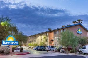 Days Hotel by Wyndham Mesa Near Phoenix, Szállodák  Mesa - big - 1