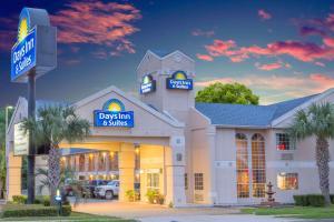 Days Inn & Suites Nacogdoches, Motel  Nacogdoches - big - 20