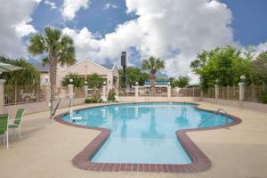 Days Inn & Suites Nacogdoches, Motel  Nacogdoches - big - 21