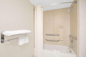 Days Inn & Suites Nacogdoches, Motel  Nacogdoches - big - 30