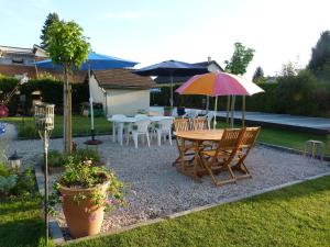 Aux Jardins d'Alice, Bed and breakfasts  Asnans - big - 28