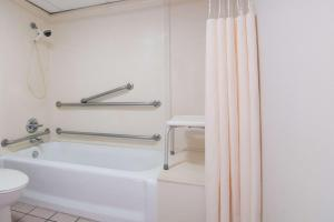 Days Inn by Wyndham N.W. Medical Center, Hotels  San Antonio - big - 16