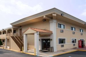Days Inn Long Island-Copiague