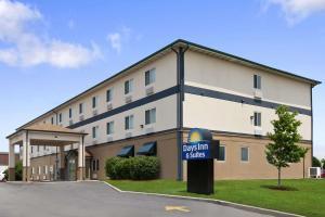 Days Inn and Suites Romeoville