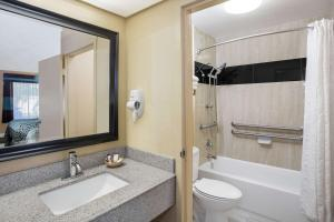 Deluxe Quadruple Room with Two Double Beds - Disability Access - Non-Smoking