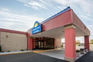 Days Inn & Suites Mount Pleasant