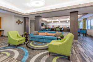Days Inn and Suites Katy