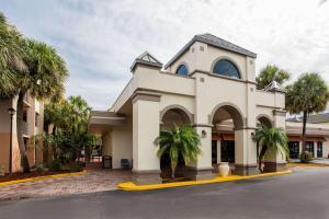 Travelodge Inn & Suites Orlando Airport