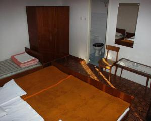 Triple Room Jelsa 127b, Vendégházak  Jelsa - big - 2