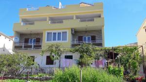 Apartment Grebastica 13365b