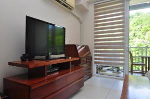 Miranda 306B by Kel's Place, Apartments  Nasugbu - big - 6