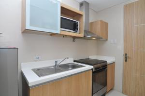 Miranda 306B by Kel's Place, Apartments  Nasugbu - big - 7