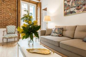 Prado Santa Ana 2BD/2BA, Apartments  Madrid - big - 26
