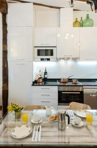 Prado Santa Ana 2BD/2BA, Apartments  Madrid - big - 27