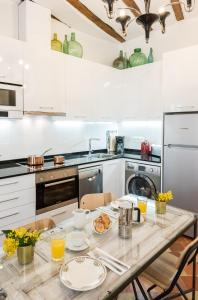 Prado Santa Ana 2BD/2BA, Apartments  Madrid - big - 33