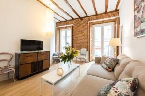 Prado Santa Ana 2BD/2BA, Apartments  Madrid - big - 35