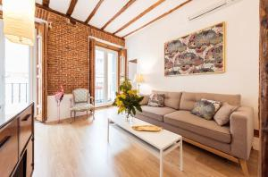 Prado Santa Ana 2BD/2BA, Apartments  Madrid - big - 36