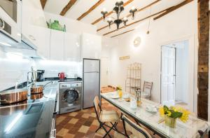 Prado Santa Ana 2BD/2BA, Apartments  Madrid - big - 39