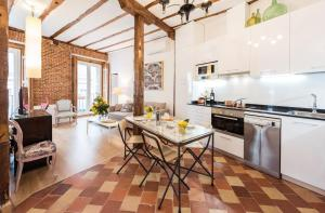 Prado Santa Ana 2BD/2BA, Apartments  Madrid - big - 42