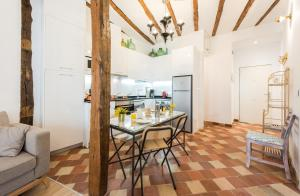 Prado Santa Ana 2BD/2BA, Apartments  Madrid - big - 43