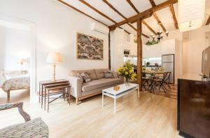 Prado Santa Ana 2BD/2BA, Apartments  Madrid - big - 48
