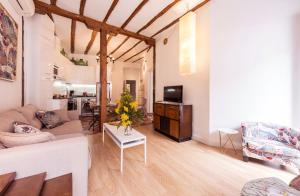 Prado Santa Ana 2BD/2BA, Apartments  Madrid - big - 56