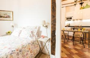 Prado Santa Ana 2BD/2BA, Apartments  Madrid - big - 57