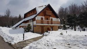 Guesthouse Green Valley, Penzióny  Jezerce - big - 70