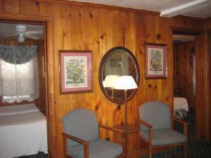 Cottage Duplex Upstairs