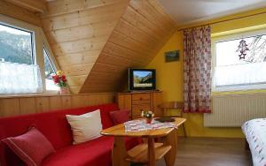 Penzion a drevenica pri Hati, Guest houses  Terchová - big - 16