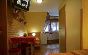 Penzion a drevenica pri Hati, Guest houses  Terchová - big - 25
