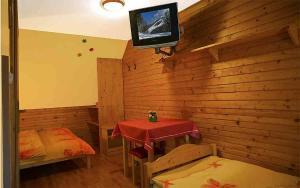 Penzion a drevenica pri Hati, Vendégházak  Terhely - big - 26