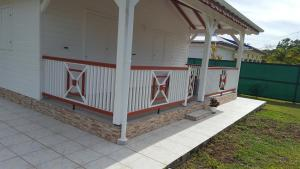 Cocon des Alizés, Hétvégi házak  Le Moule - big - 14