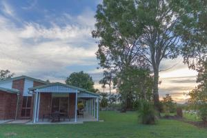 Two On Sunset, Holiday homes  Bucasia - big - 14
